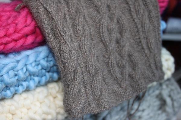 brassière tricotée main en cachemire