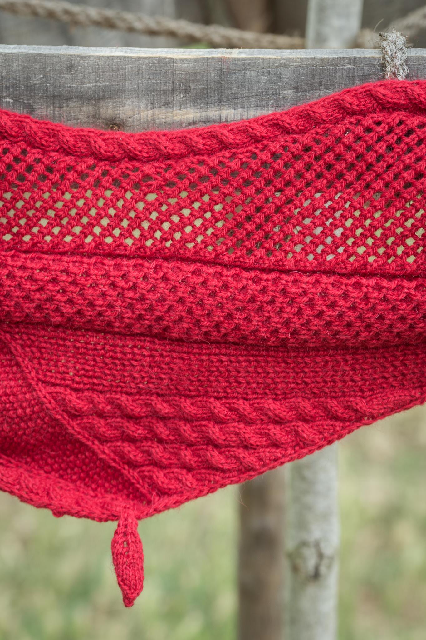 Chèche-points-multiples-tricoté-main-Polaire-de-Fonty-Création-Wool-kit-Factory-de-Gazouillis-et-cie-pour-la-marque-Fonty.