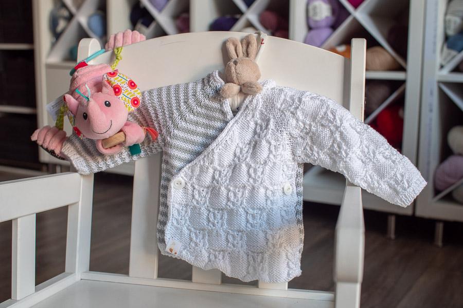 Surprise cache-coeur naissance -1 mois tricoté pour la maternité